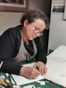 Dominique Doyard, restauratrice livre et papier